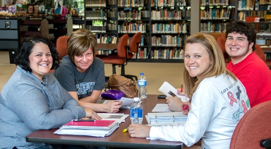 DSCC students studying